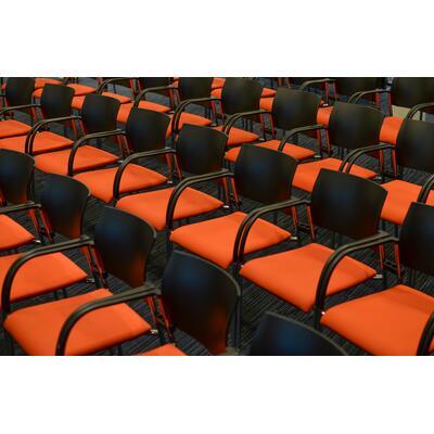 614058e5885a9_seats-2954367_1920.jpg